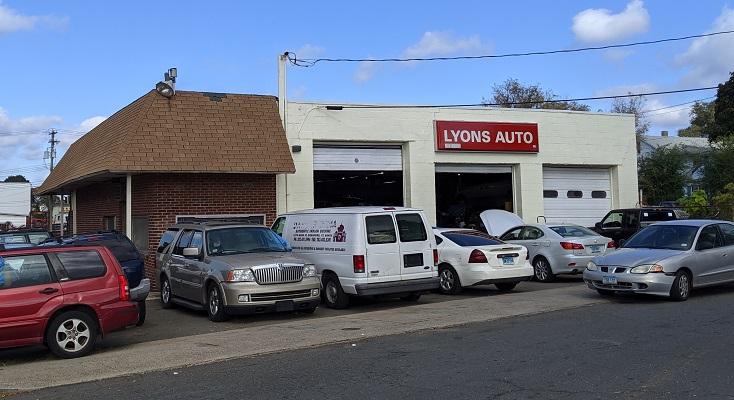 <p>Lyon's Auto Repair – Best Auto Repair Mechanic New Haven, Connecticut</p>